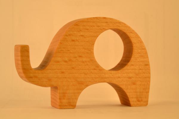 как вырезать слона из дерева белье