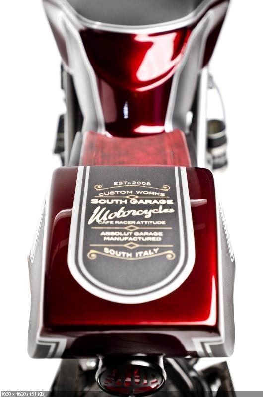 Кафе рейсер Ducati 749 от South Garage Motorcycles