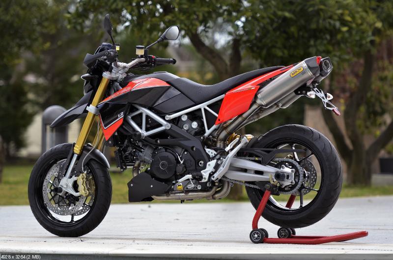 Фотографии мотоцикла Aprilia Dorsoduro 1200 (2012)